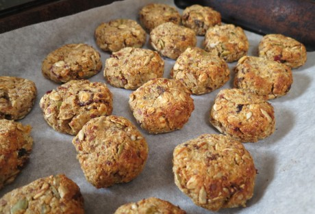 Fruity and seedy biscuits